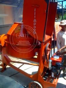 mesin molen pengaduk semen 50 kg