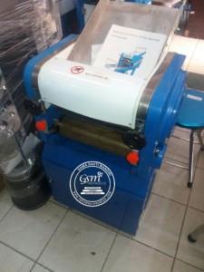 Mesin Pencetak Mie DZM-300