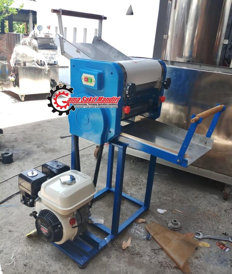Mesin Pembuat Pangsit dan Cetak Mie Motor Bensin